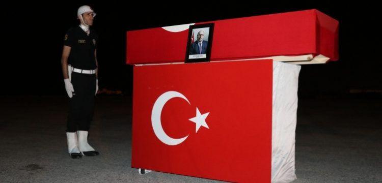 Profesör A. Haluk Dursun'un cenazesi Van'dan törenle İstanbul'a gönderildi