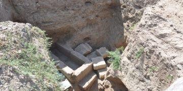 Tarsusta yağmalanmış 9 tarihi mezar bulundu