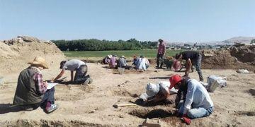 Van Kalesi yanında çalışan arkeologlar araçsız kaldı