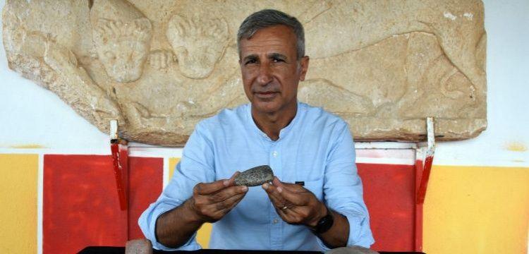 Assos Antik Kenti'nde 7 bin yıllık granit taş balta bulundu