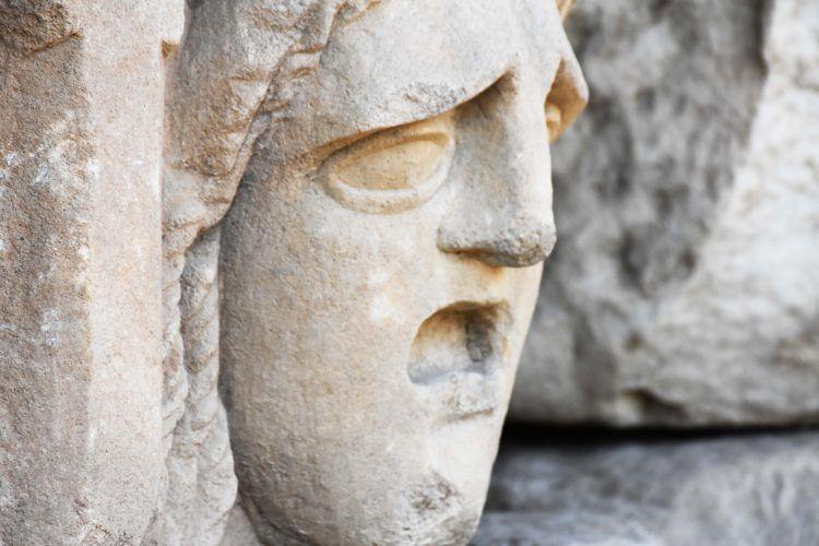 Muğla'da 2 bin 200 yıllık mitolojik masklar gün yüzüne çıkarıldı