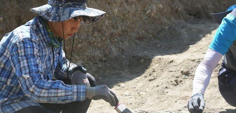 Çorum'daki arkeoloji kazılarında Güney Koreli öğrenciler de çalışıyor
