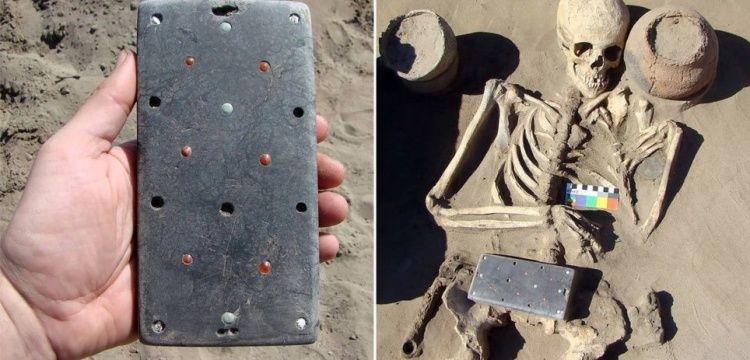 Hun Atlantisi'nde çıkan arkeolojik bulgu cep telefonuna benzetildi