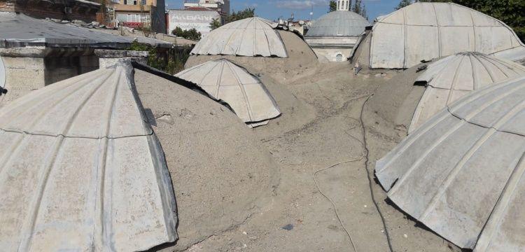 Lüleburgaz'da tarihi külliyenin kubbesindeki kurşunları çaldılar