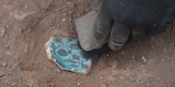 Alanyadaki kazılarda ünik desenli Selçuklu çinilerine rastlandı