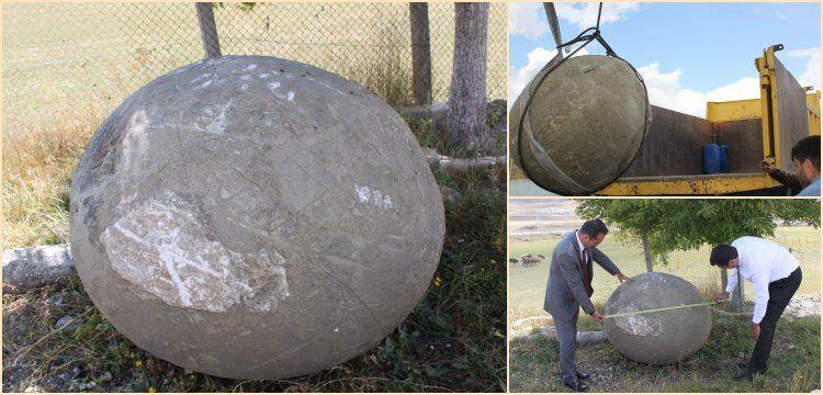 Erzurum'da yol inşaatında 2 tonluk mancınık gülleleri bulundu