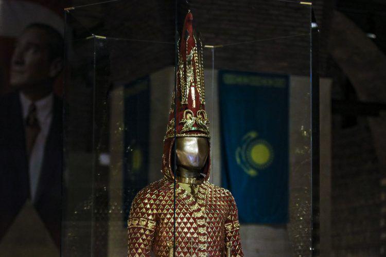 Altın Elbiseli Adam Ankara Medeniyetler Müzesinde sergileniyor