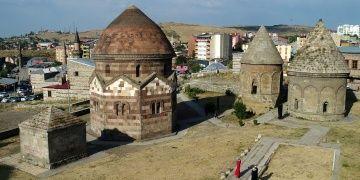 Prof. Dr. Hüseyin Yurttaş: Nerede kümbet varsa, orada Türk vardır
