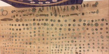 Bursada bir zanlı 590 sikke ile 54 tarihi tarihi eserle yakalandı