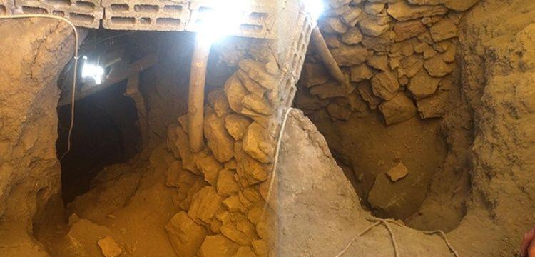 Define bulmak için evine 2 metre çapında 33 metrelik tünel kazdı