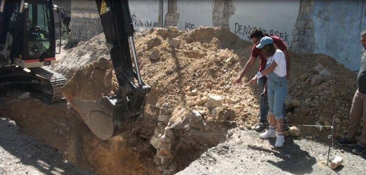Kahramanmaraş'ta bir arkeolog yasal define kazısına başladı