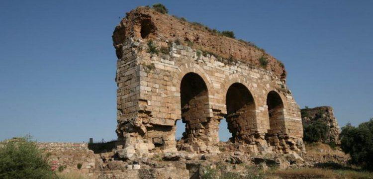Aydın'da yıkılma tehlikesi bulunan Üç Gözler restore ediliyor