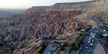 Kapadokyanın gizemli kaya oyma mimarisi: Zindan Tepesi