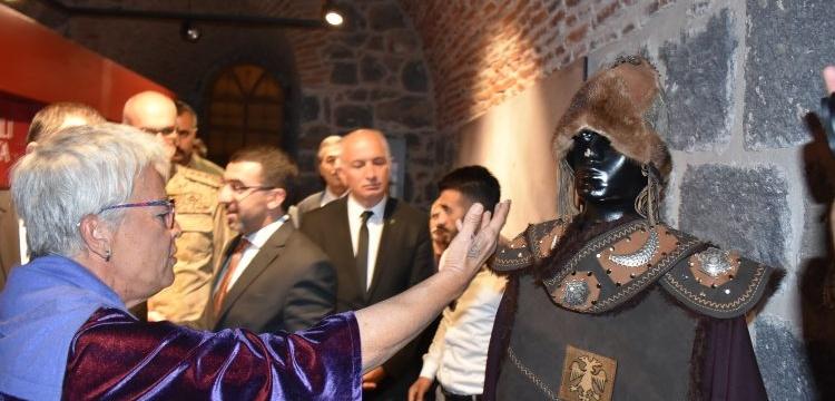 Bir Zamanlar Anadolu Selçuklu sergisi Kars'ta açıldı
