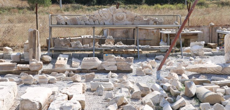 Parion Antik kentindeki 1850 yıllık sahnenin mimari yapısı çözüldü