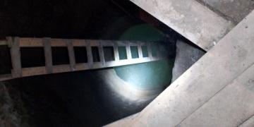 Ardahanda 2 evde tünel kazarak define arayan 7 kişi yakalandı