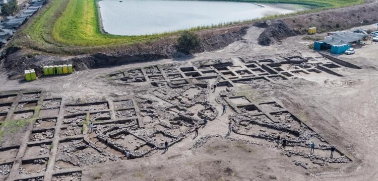 İsrail'de yol inşaatı sırasında 5 bin yıllık antik kent ortaya çıktı