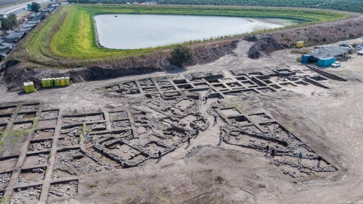 İsrail'de 5 bin yıllık 6 bin kişilik Erken Tunç Çağı kenti bulundu