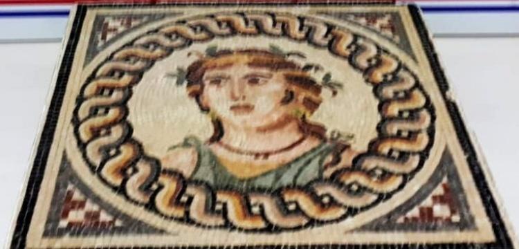 Bursa'da 2 bin yıllık olduğu tahmin edilen mozaik tablo yakalandı