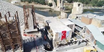 Hasankeyfteki 6 asırlık Er-Rızk Camisinin gövdesi taşındı