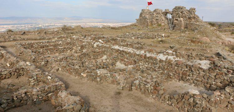 Osmanlı Tarihindeki karadeliğin kapanması için umut Karacahisar Kalesi