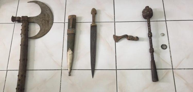 Adıyaman'da tarihi eser görünümlü balta, gürz ve çekiç başı yakalandı