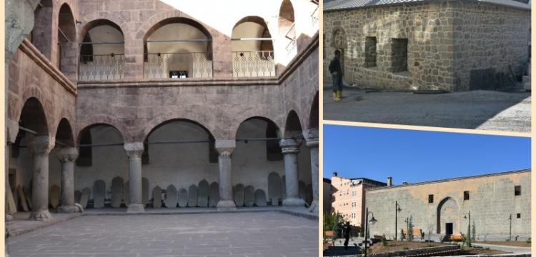 Hakkaride tarihi eserler restore ediliyor