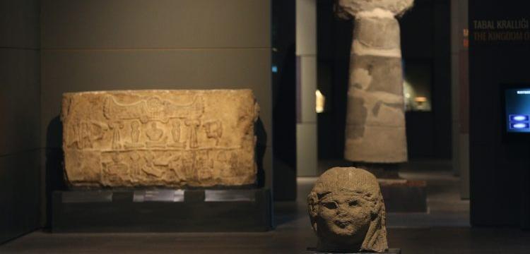 Kayseri Kalesindeki Kayseri Arkeoloji Müzesinde 1789 eser sergileniyor