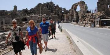 Antalyada kültür ve arkeoloji turlarına katılan turist sayısı yüzde 80 azaldı