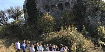 Sinop Üniversitesi Arkeoloji öğrencileri kentteki Kaya Mezarlarını inceledi