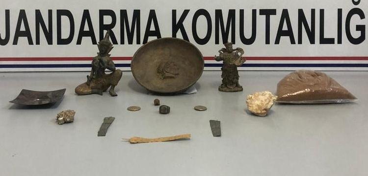 Kahramanmaraş'ta tarihi eser olarak satılmak istenen 12 obje yakalandı