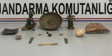 Kahramanmaraşta tarihi eser olarak satılmak istenen 12 obje yakalandı