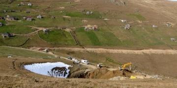 5 gün yasal kazı yapan definecilerin umutları Dipsiz Göle gömüldü
