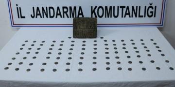 Iğdırda Urartu dönemine ait görünen taş tablet yakalandı