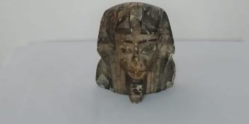 Çankayada tarihi eser kaçakçısı olduğu sanılan 2 kişi bir heykelle yakalandı