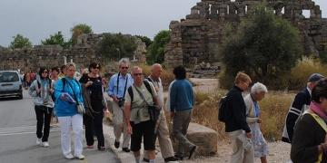 Fransız turistler deniz ve kum için değil tarihi alanlar için geliyorlar