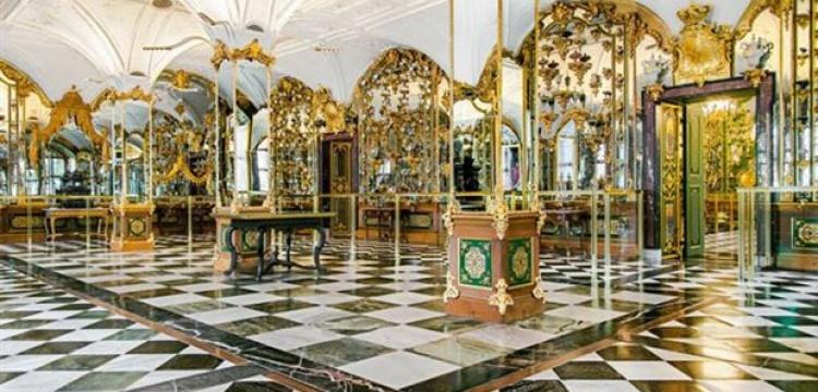 Almanya'daki Grünes Gewölbe Müzesi soyuldu
