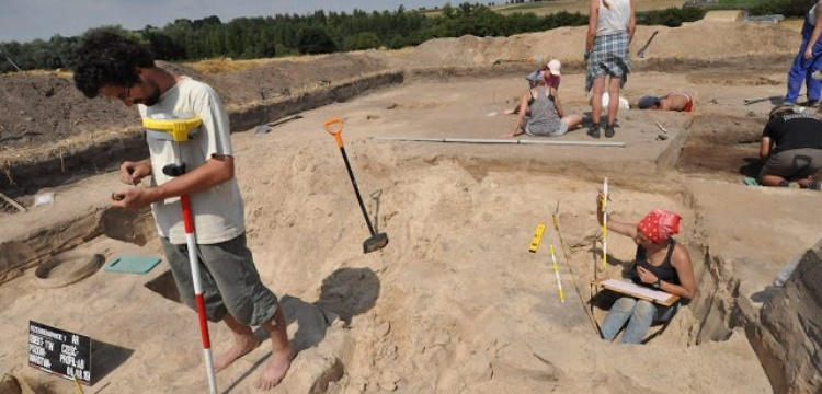 Archaeolgists discovered 2,000 years old warrior graves in poland