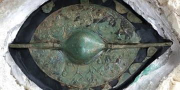 İngilterede binyılın en önemli Kelt sanat eseri sayılan 2 bin yıllık kalkan