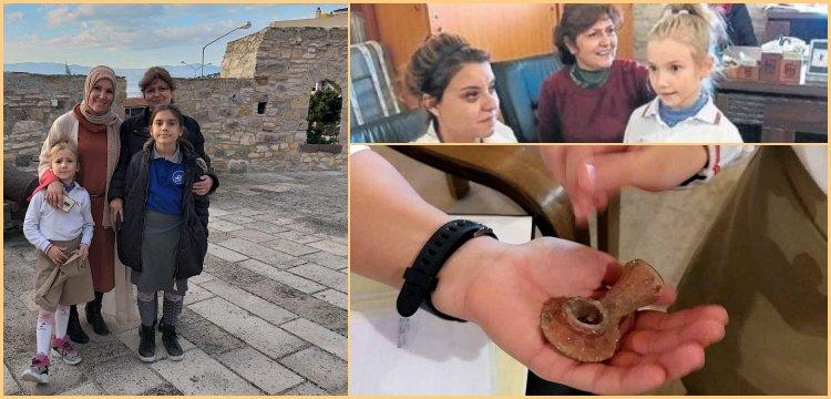 İlkokul öğrencisi yürürken tarihi Osmanlı piposu buldu