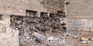Diyarbakır Surlarındaki taşların sökülüp satıldığı iddia edildi