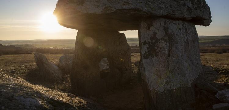 Prof. Dr. Engin Beksaç: Stonehenge ile Trakya dolmenlerinin işlevleri aynı