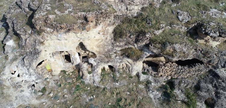Süryanice Kitabeli Kaya Mezarı