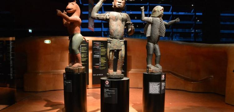 Benin'den Fransa'ya kaçırılan tarihi eserlerden 26'sı iade edilecek