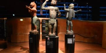 Beninden Fransaya kaçırılan tarihi eserlerden 26sı iade edilecek