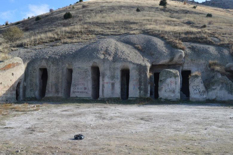 Yedikapılar Kaya Yerleşimi ve Yeraltı Şehri