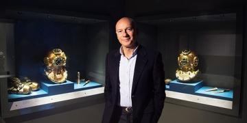 Jeff Hakko, dalış malzemelerini Bodrum Deniz Müzesine bağışladı