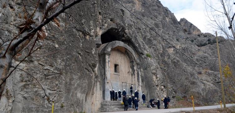 Amasya Aynalı Kaya Mezarı restore ediliyor