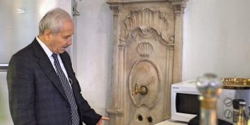 300 yıllık sanat eseri tarihi çeşme Balatta bir kafeye dekor oldu