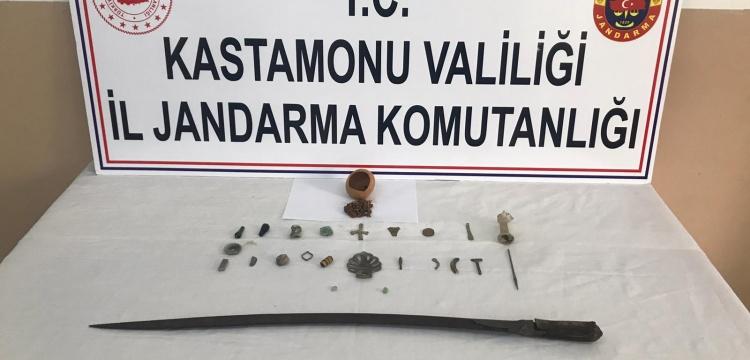 Kastamonu'da satılmak istenen tarihi eserler yakalandı
